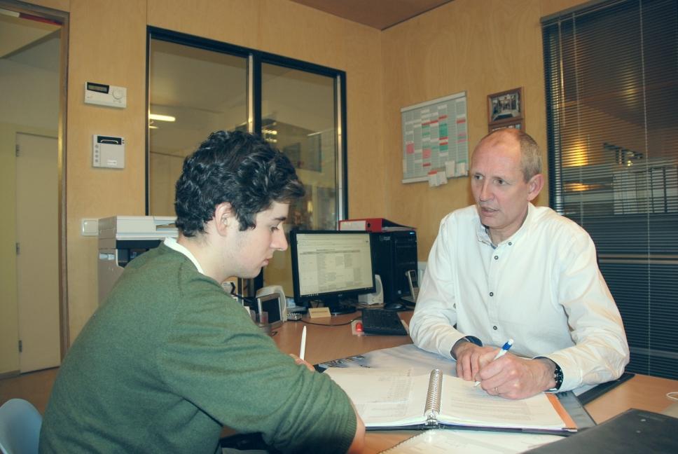 Leerling krijgt bijles op Studiecentrum Doorn