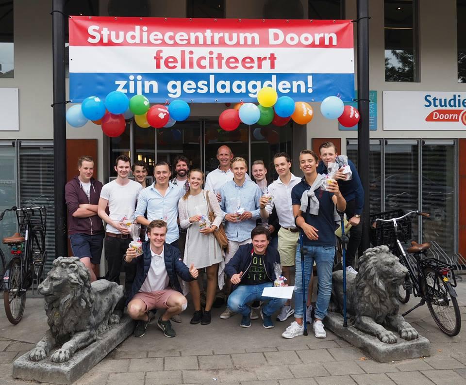 Geslaagde leerlingen van Studiecentrum Doorn